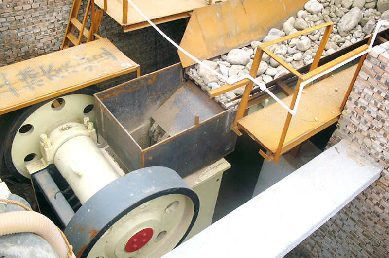 Crawler mobile jaw crusher in India for sale
